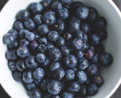 blueberries-1149861_640
